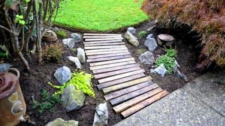 ¿Te gustaría hacer un sendero para recorrer tu jardín? Aquí tienes unas vistosas alternativas.
