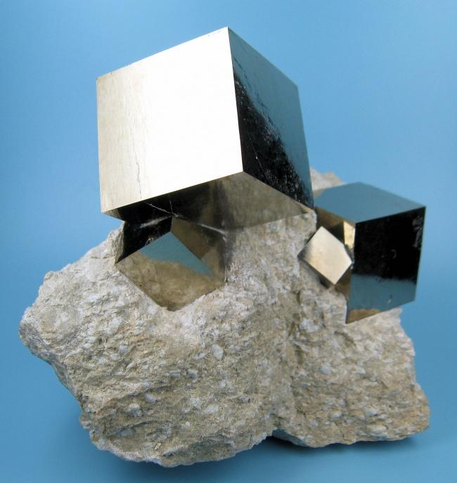 14959-R3L8T8D-650-2780M-pyrite1