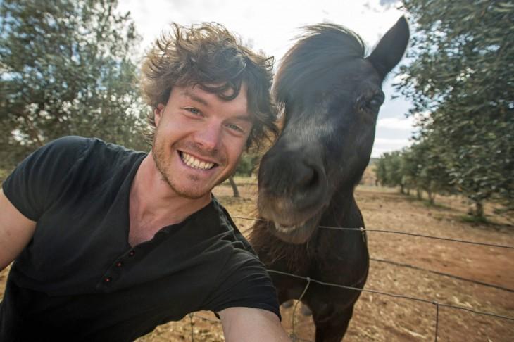 Hombre-se-toma-selfies-con-animales-7-730x486